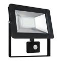 LED Reflektor se senzorem NOCTIS 2 SMD LED/30W/230V IP44 2050lm černá