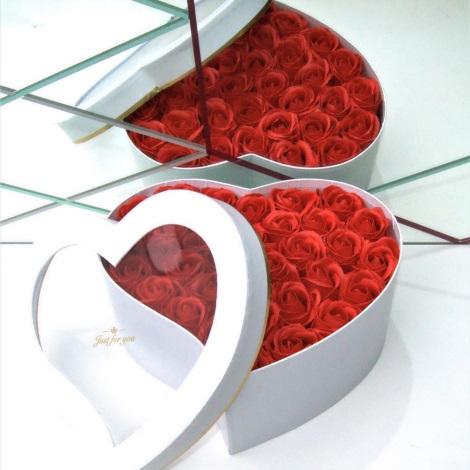 Růže z pěnového mýdla HEART RED - velikost M (33 kusů)